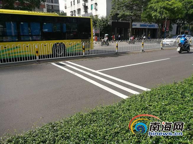 点赞!市民拨打12345热线建议椰岛广场前设置减速交警快速处理