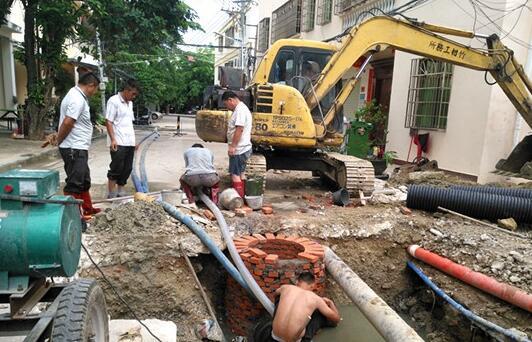 吉阳区修缮红沙社区7条泥巴路 预计5月底完工
