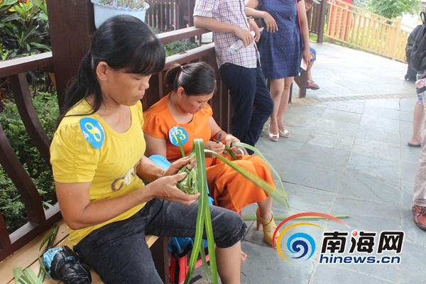 <b>屯昌农博会民间技能大赛现场创意编织比赛举行</b>