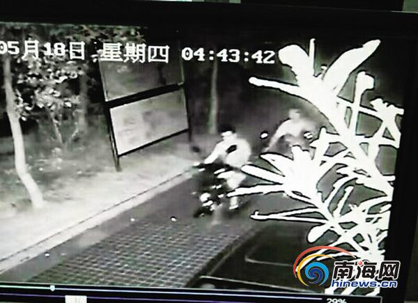 广大市民留意窃贼出没偷车小贼你被拍下了!