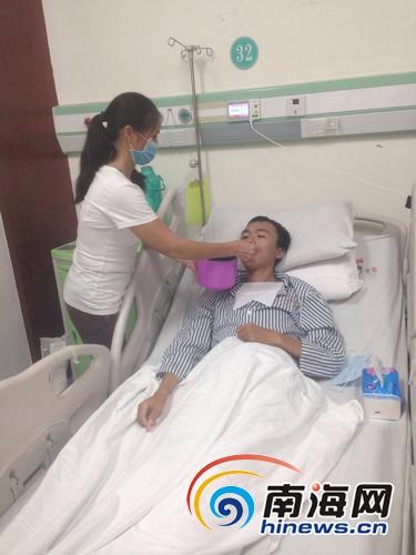 儋州小伙做肾移植手术欠医院30多万元盼好心人救助