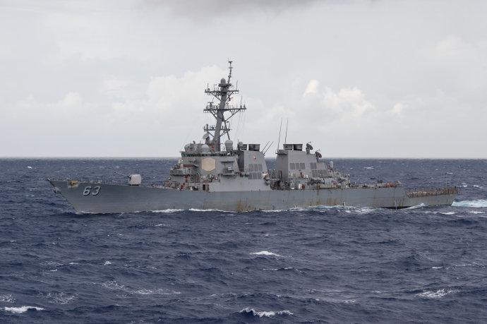近年美舰屡次强闯南海岛礁 解放军如何应对?