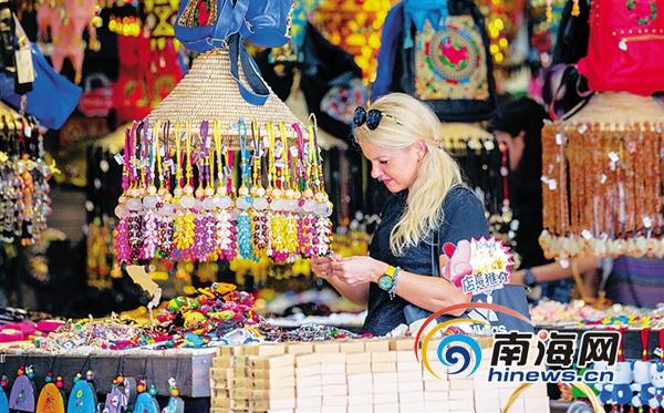 海南旅游走俏 今年俄罗斯游客预计达25万人次有望超历史最高水平