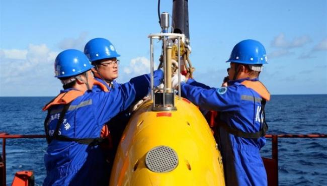 """""""探索""""号自治式水下机器人南海首次试验性应用"""