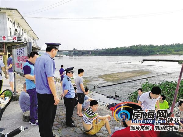 琼海:水电站大坝频发落水溺水事件 水务公安部门加强人员巡逻劝导