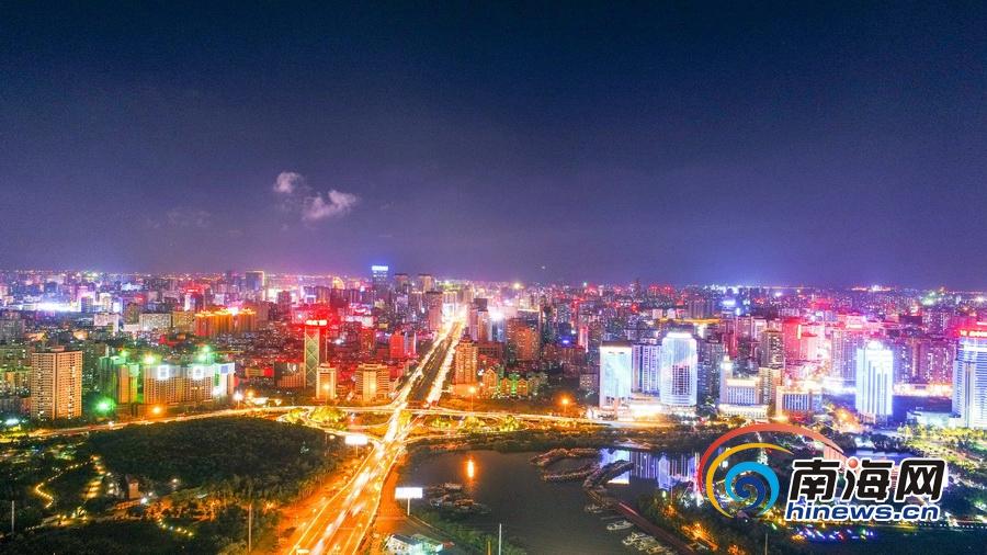 迷人 高空俯瞰海口万绿园一带夜色景观图片
