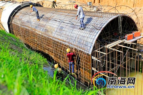 海南红岭灌区工程今年完成投资4.49亿元 力争2018年试通水