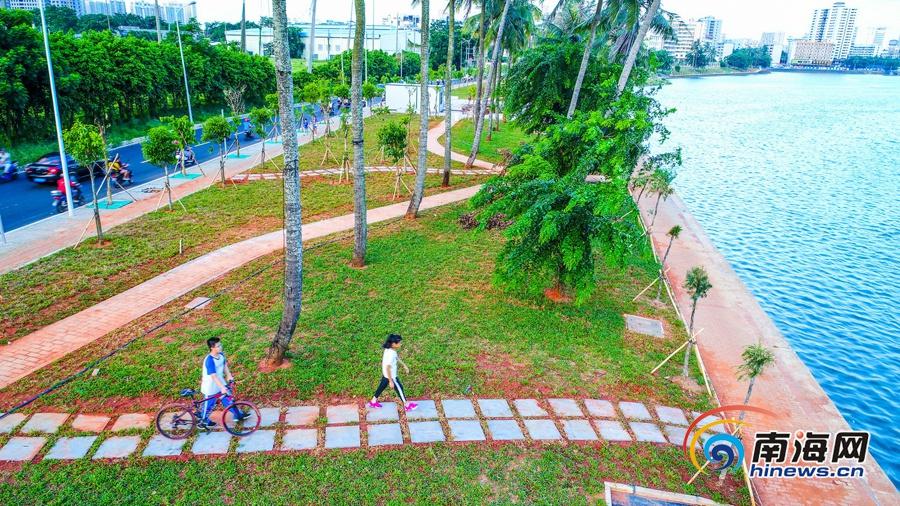 海口红城湖东岸小游园工程完工 椰城又添休闲好去处