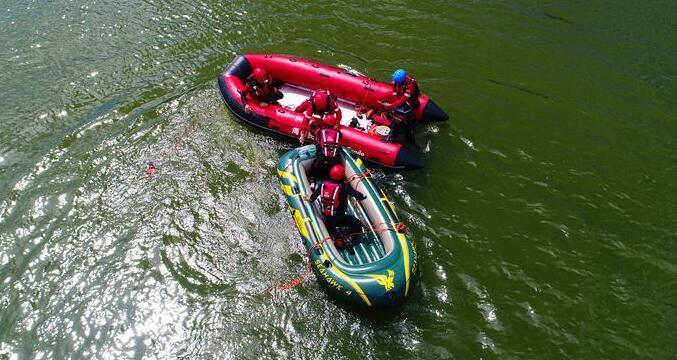 海南11支民间救援组织在海口进行