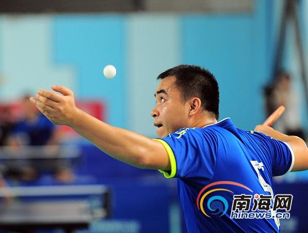 推动全民健身 三亚民间羽毛球、乒乓球争霸赛开赛