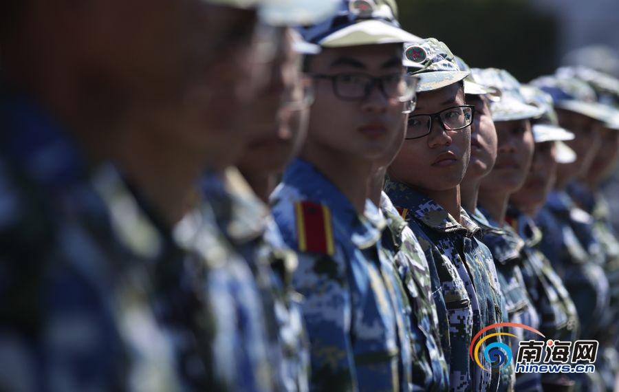 又是一年军训时 直击海南大学新生军训生活