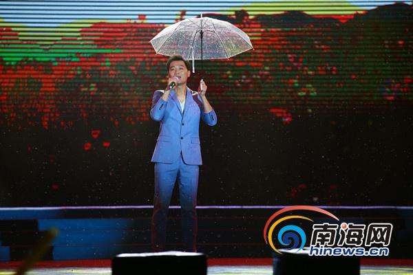 国家一级演员,女高音歌唱家李丹阳演唱《亲亲茉莉花》.