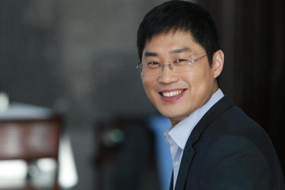 总裁�_新凤祥总裁刘志光:双翼发展悉心传承做好每一件小事