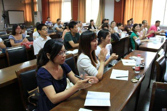 培训机构保过班调查:未通过考试申请退费被拉