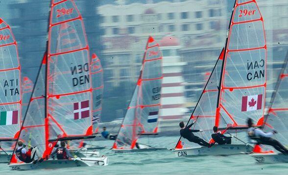 60个国家地区扬帆三亚 中国队帆板项目旗开得胜