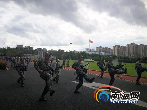 儋州人武部紧贴实战民兵应急分队训练 125名民兵参训