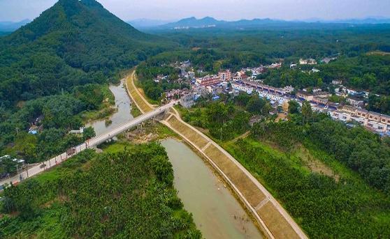 海南琼中建立河长制推动水环境保护