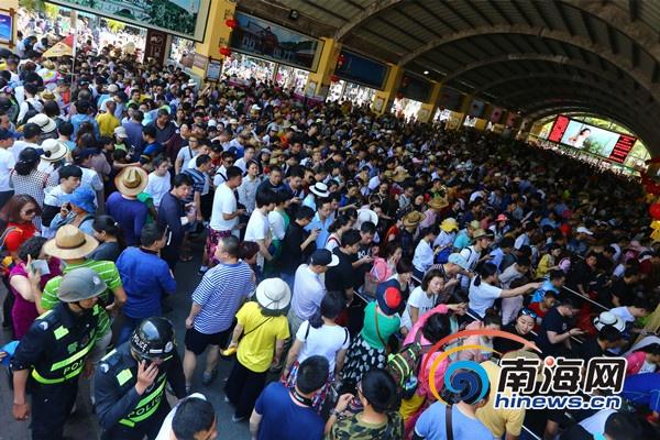 三亚南山景区春节黄金周迎客30.63万人次 创历史新高