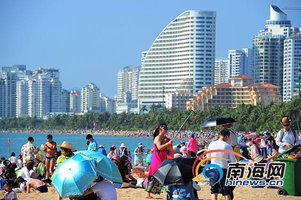 2018年春节黄金周,三亚市天涯区接待游客近三十万人次.