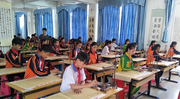 儋州新州中心学校开展特色教学 教育均衡发展学生素质提高
