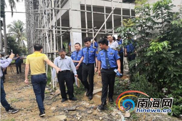 乐东万冲镇依法拆除中央环保督察组交办信访案件中的违法建筑