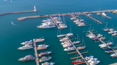 高清航拍| 三亚半山半岛帆船港美景如画
