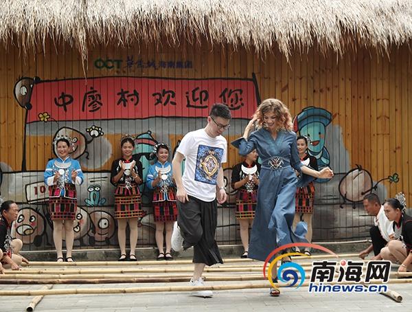 """要看哦!海南首个""""美丽乡村""""题材的MV《酸豆树》亮相"""