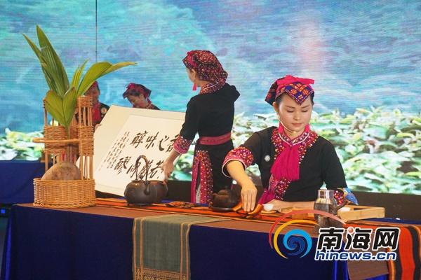 蒋雅幸家庭将海南元素搬上首届全国家庭茶艺大赛决赛赛场