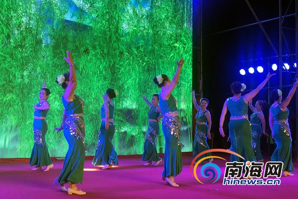 海口美兰区举办广场舞大联欢庆祝海南建省办经济特区30周年