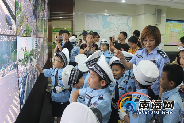 做自己的首席安全官:六一儿童节小朋友走近交警体验交通安全