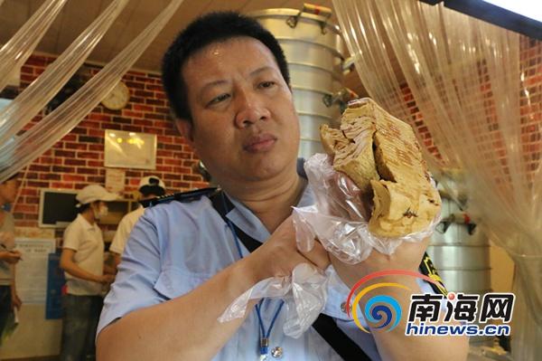 海口三亚两地食药监部门突击检查当地红糖馒头生产销售点