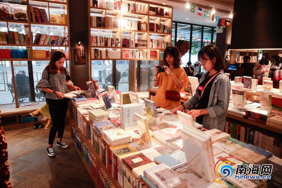 """""""海南最美书店""""始于书而不止于书 以己之力传播文化"""