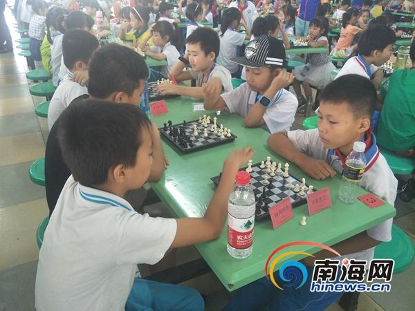 儋州第八届中小学,幼儿园国际象棋联赛开幕 631名学生