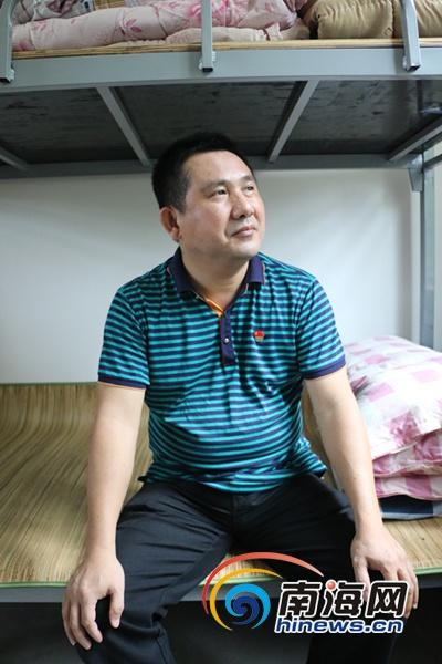保亭扶贫故事|刘显:把家安在村里让心与帮扶对象连在一起