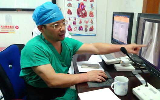 """""""亿万先生好人""""寻访系列  刘文举:竭尽所能 与死神赛跑的医者"""