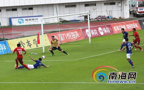 足球乙级联赛第十七轮:海南海口3比2险胜镇江文旅