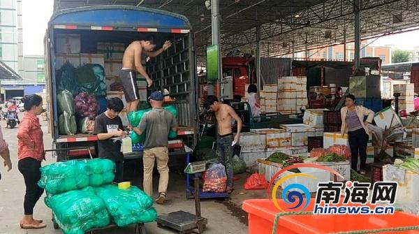 海口市民,台风过后千吨蔬菜已入岛