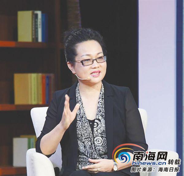 海南大学党委常委、副书记杜明娥探讨海南人才引进和培养策略