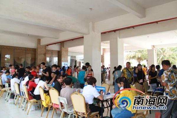 海南省旅游学校招生成绩喜人2000多名新生报到入学