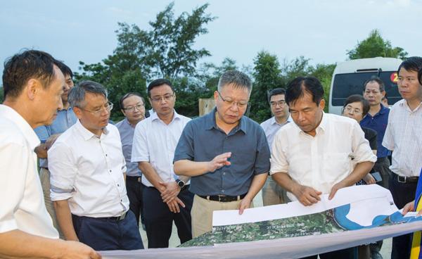 沈晓明在东方调研时强调:找准定位发挥优势推动经济高质量发展