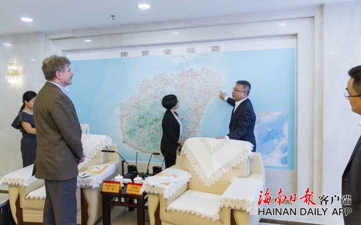 <b>沈晓明分别会见美国驻广州总领事、尼泊尔第四省首席部长</b>