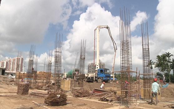 琼海中学附属小学项目有序推进 确保明年8月完工并投入使用