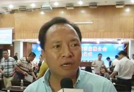 """邓磊:推广循环生态农业 带贫困户""""摘穷帽"""""""