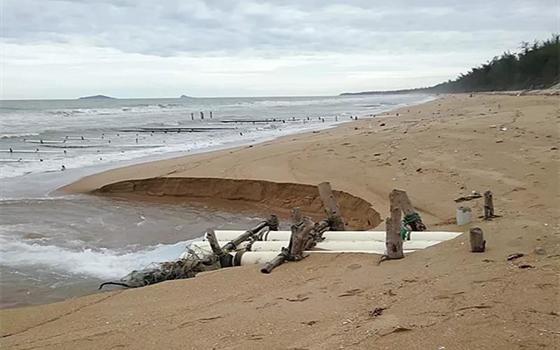 三亚拆除21家养殖场违法入海排污口