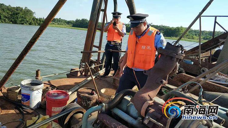 海口美兰区严厉打击非法采砂行为 抓获一艘非法采砂船