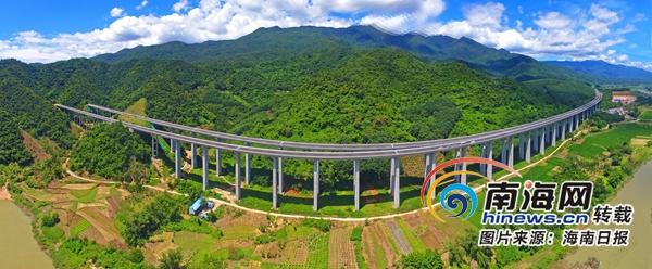 """<b>一个公路人眼里的海南高速变迁:从不能随便超车到""""丰""""字型路网在望</b>"""