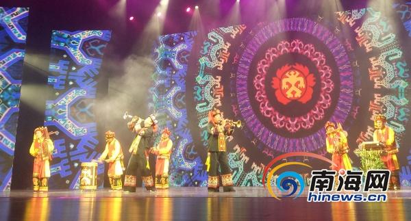 海南省第五届少数民族文艺会演颁奖晚会在海口举行