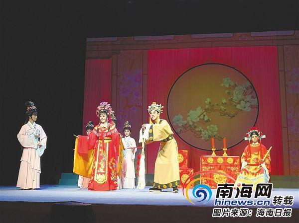 海南省艺校琼剧专场晚会在新加坡举行