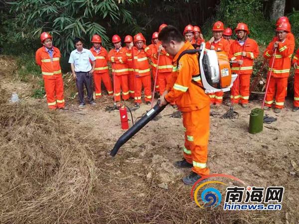 <b>保林木资产安全金海浆纸基础林场开展防火演习</b>