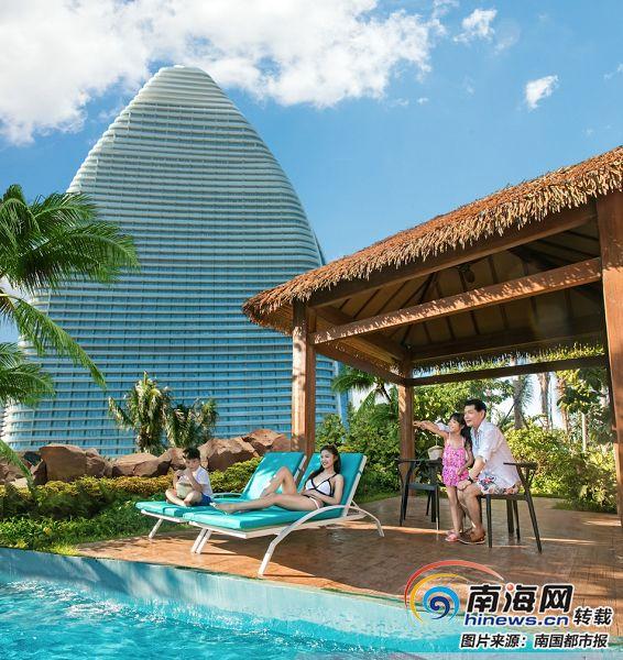 "<b>游客满意度不断攀升 三亚旅游收入""噌噌""涨</b>"